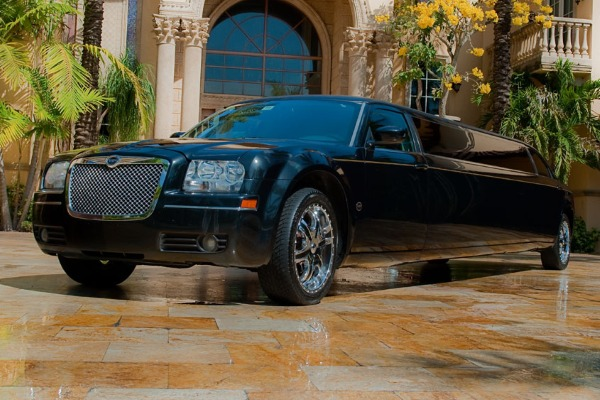 Chrysler 300 limo service Chesapeake