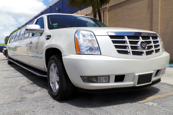Escalade limousine rental Chesapeake