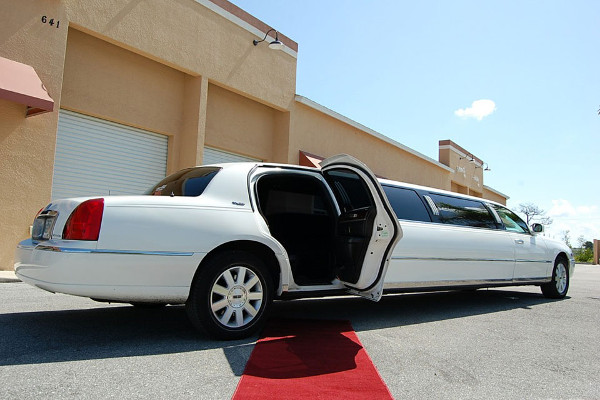 lincoln stretch limo Chesapeake